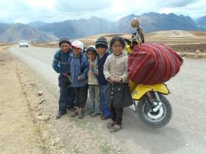 Die peruanischen Kids freuten sich immer sehr über meine Vespa.