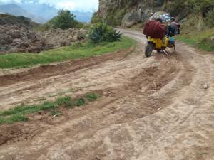 Peru: Die Straßen im Hinterland, fernab von Touristenpfaden, sind schön, aber oft auch schwer zu bewältigen.